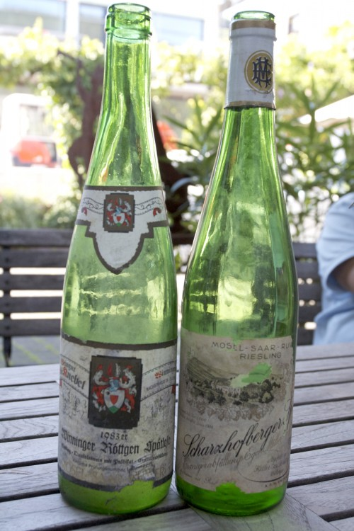 A comparison of two Rieslings from 1983