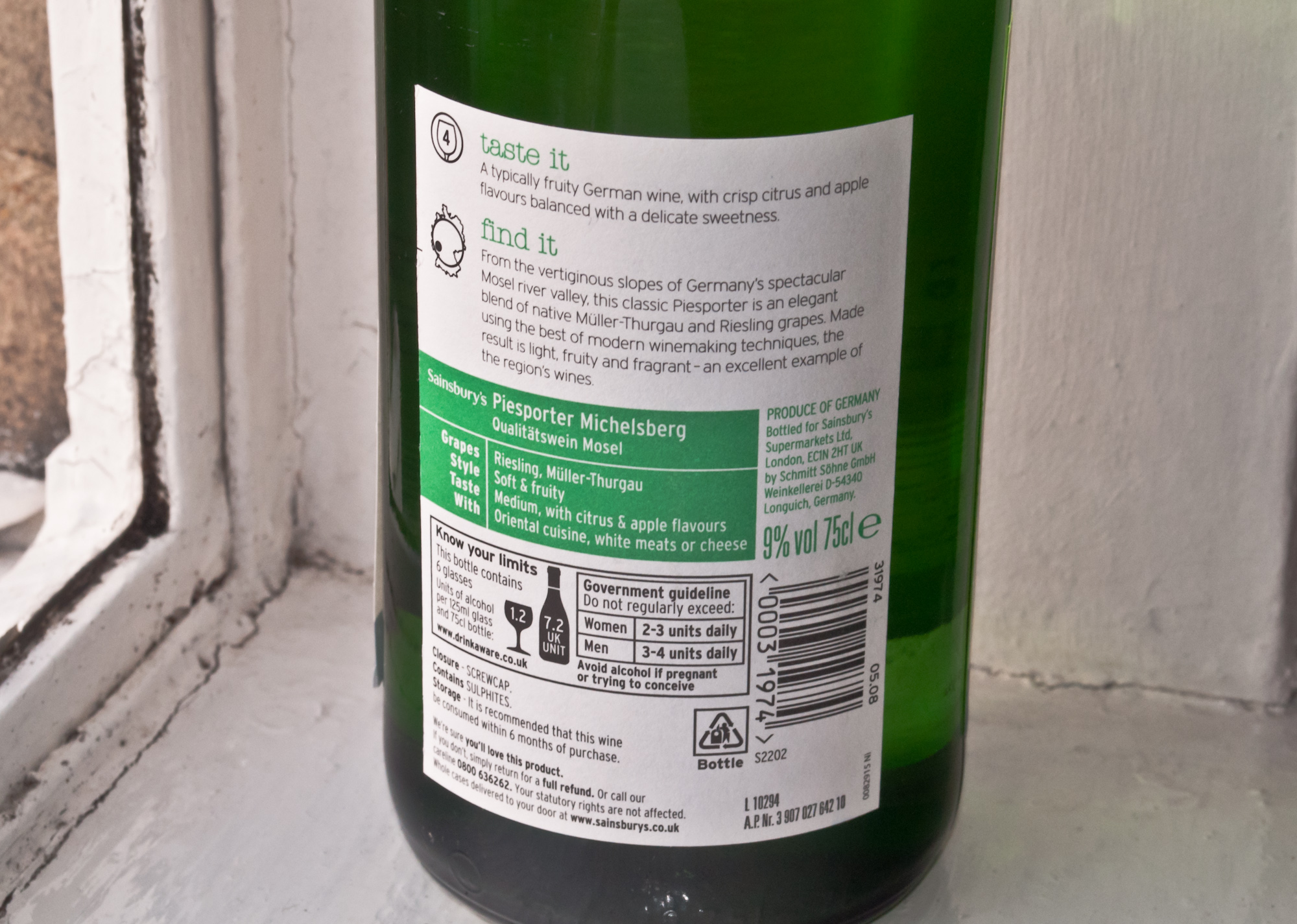 back label of the Piesporter suggests to drink within 6 months of purchase