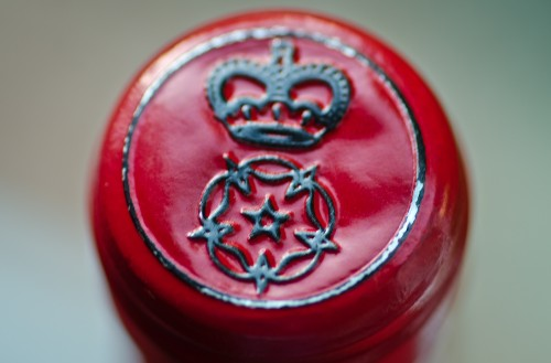 aristocratic wine bottle cap