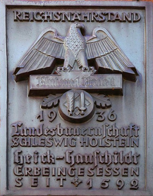 Reichsnährstand plaque in typical monumental style. Photo by N. Lange, licensed CC BY-SA 3.0