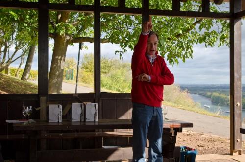 Louis Guntrum explaining the geography of his vineyards