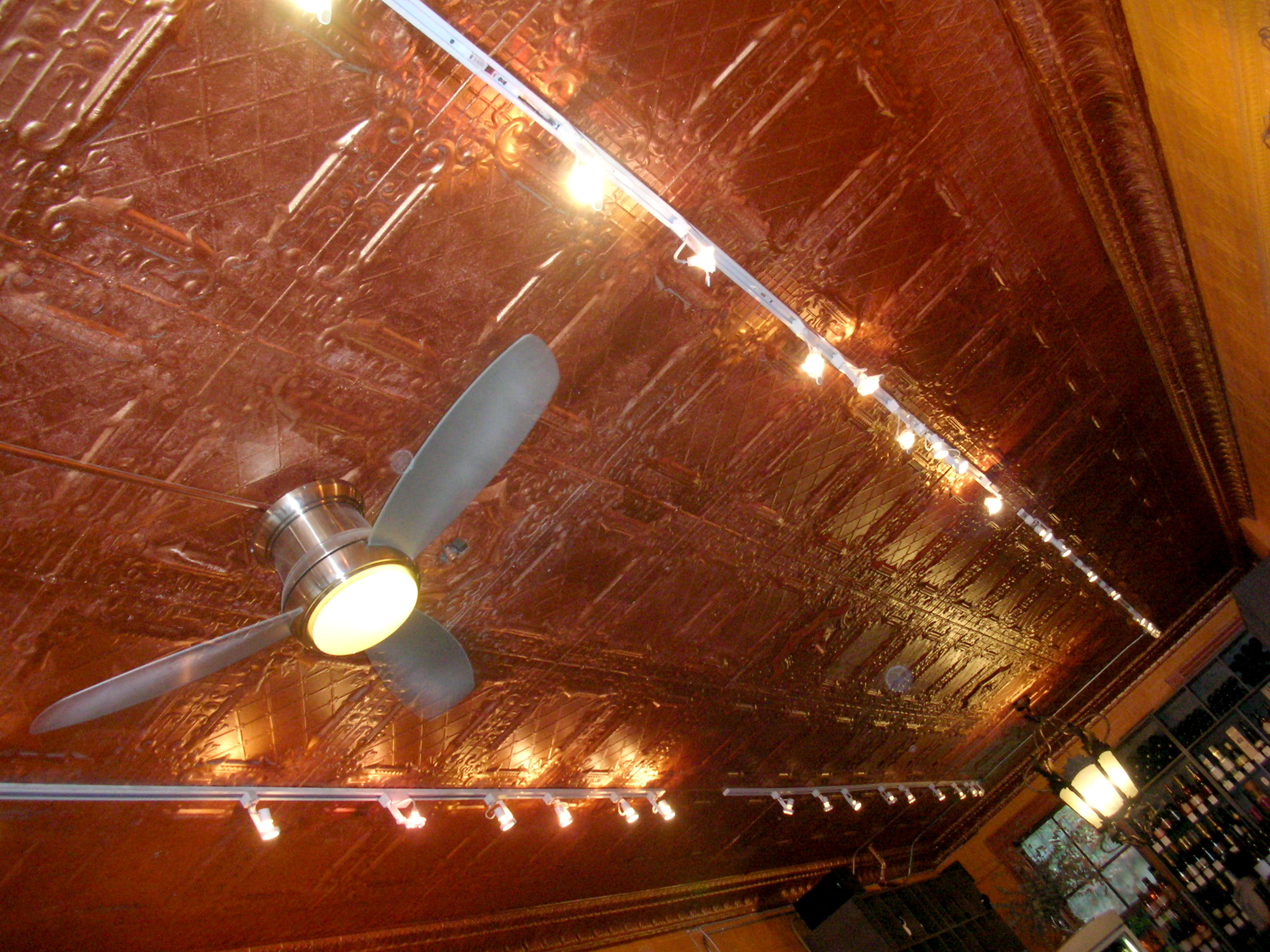 Smith & Vine, ceiling