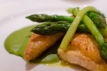Fillet of plaice with green curry spices and asparagus